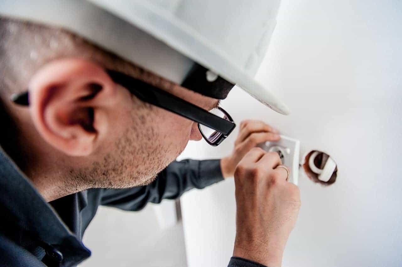 المخاطر الكهربائية إجراءات السلامة - orchidfulifestyle
