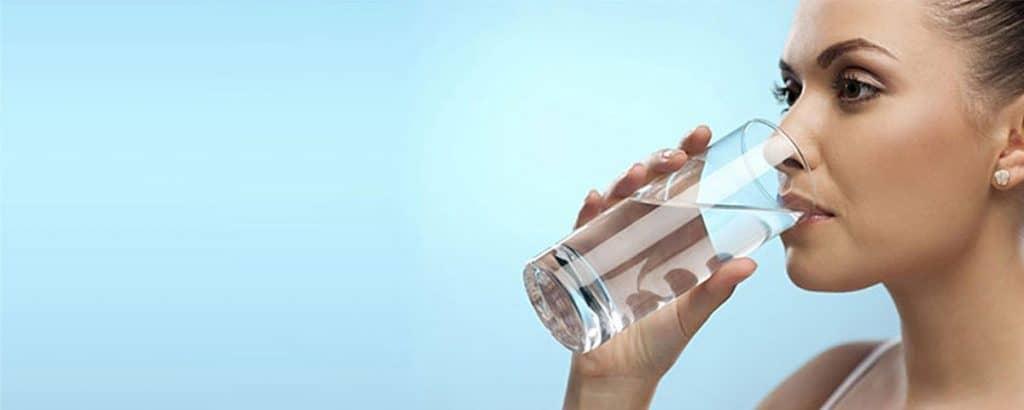 اجعل الماء صديقك الدائم - العناية بالبشرة في الصيف - orchidfulifestyle