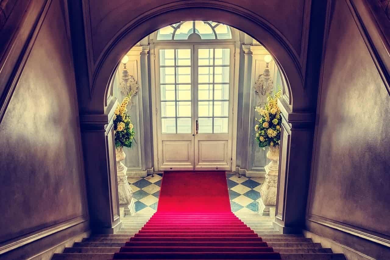 على الدرج المخاطر في المنزل - Orchidfulifestyle