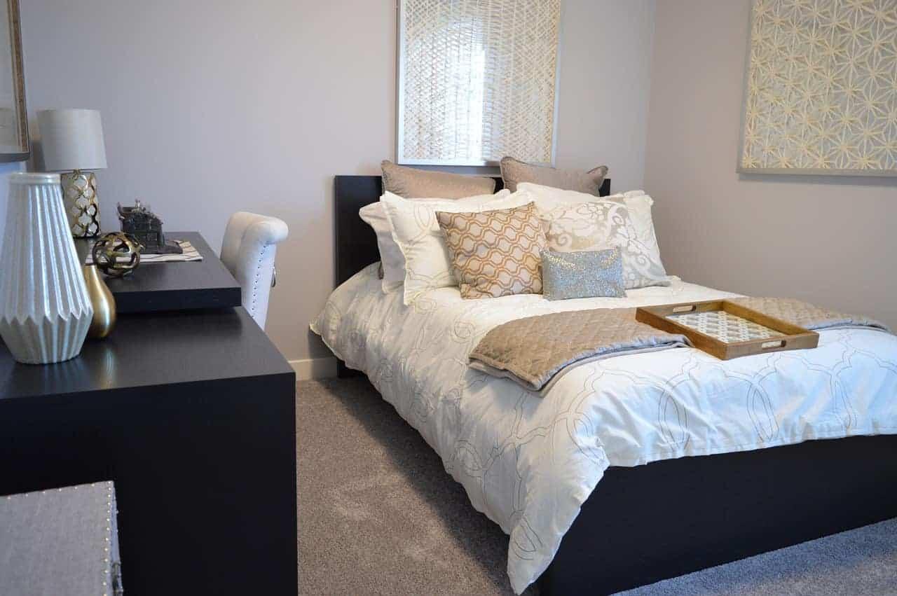 في غرفة النوم المخاطر في المنزل - orchidfulifestyle